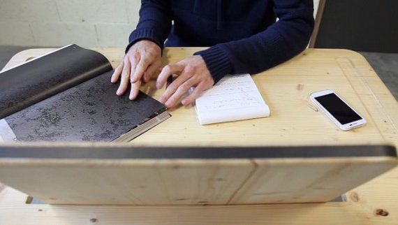 AZ desk concept